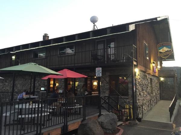 Mt Hood Brewing Company exterior